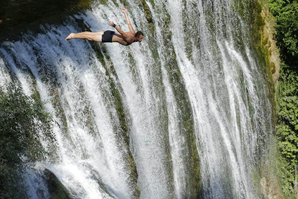 Прыжок с водопада Виктория
