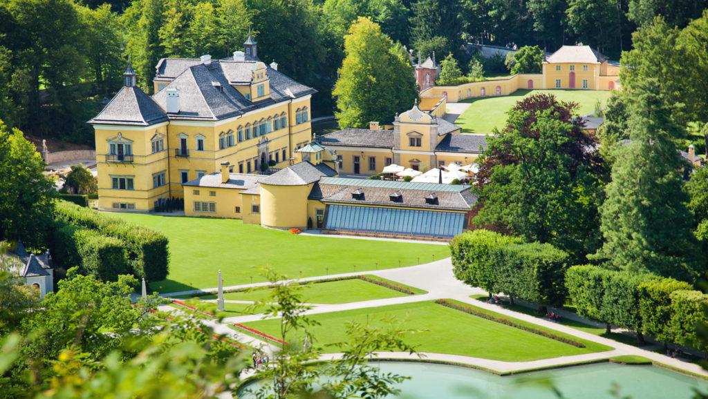 Замок (дворец) Хельбрунн